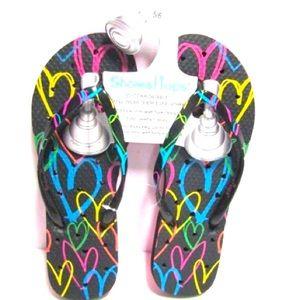 New Listing Flip Flops Women size 5/6